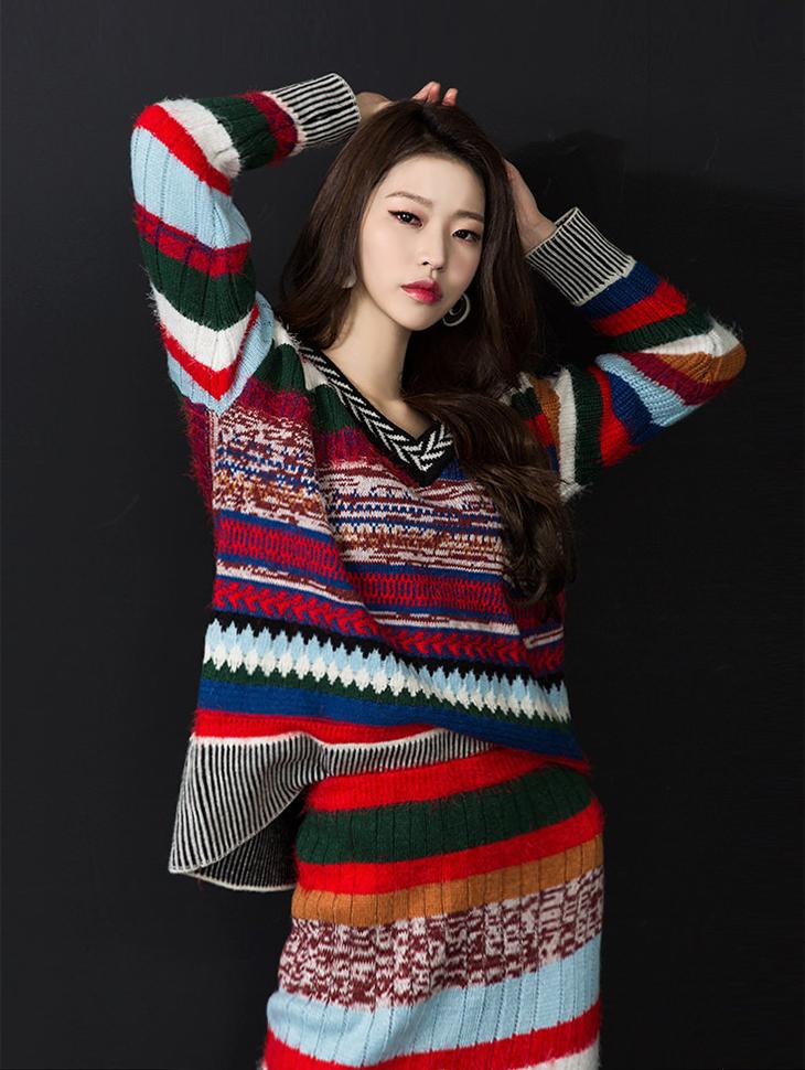 E1868 民族风溷色V领针织上衣 (第3次进货)