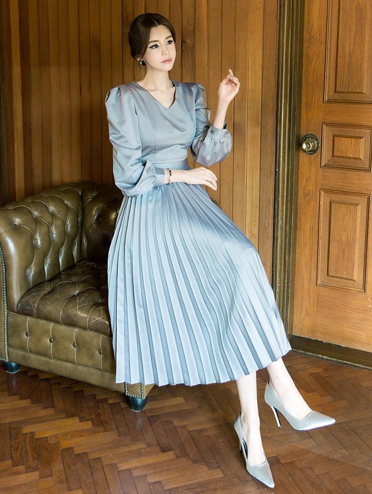 D3710 丝滑百褶连身裙
