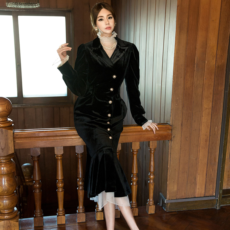 D3711 珍珠扣天鹅绒连身裙