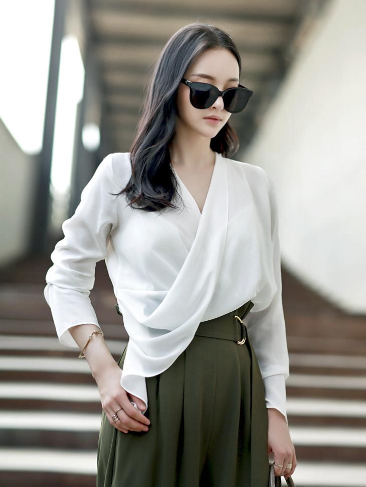 B2059 Forel揭露女子衬衫(第18次重新入库)