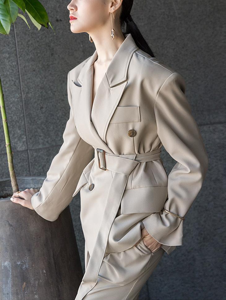 J530 经典宽鬆线条摩登夹克 (腰带组合)