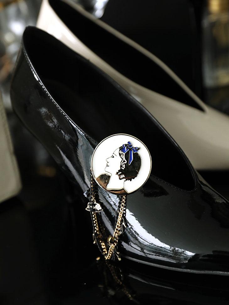AB-160女士蓝色蝴蝶结胸针