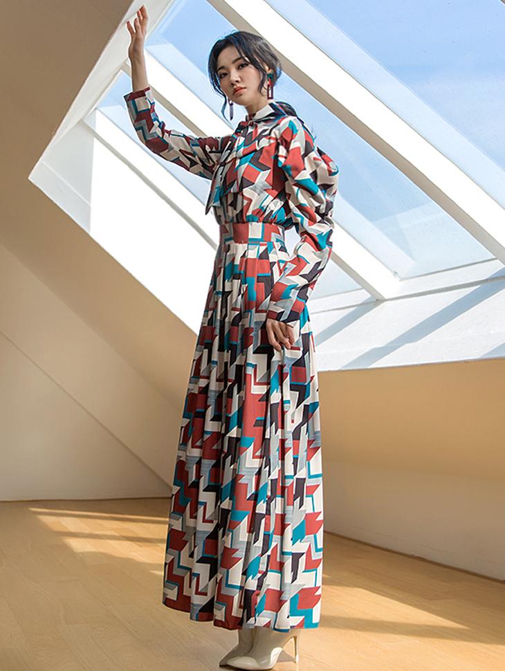 D9065 几何图形领巾连身裙