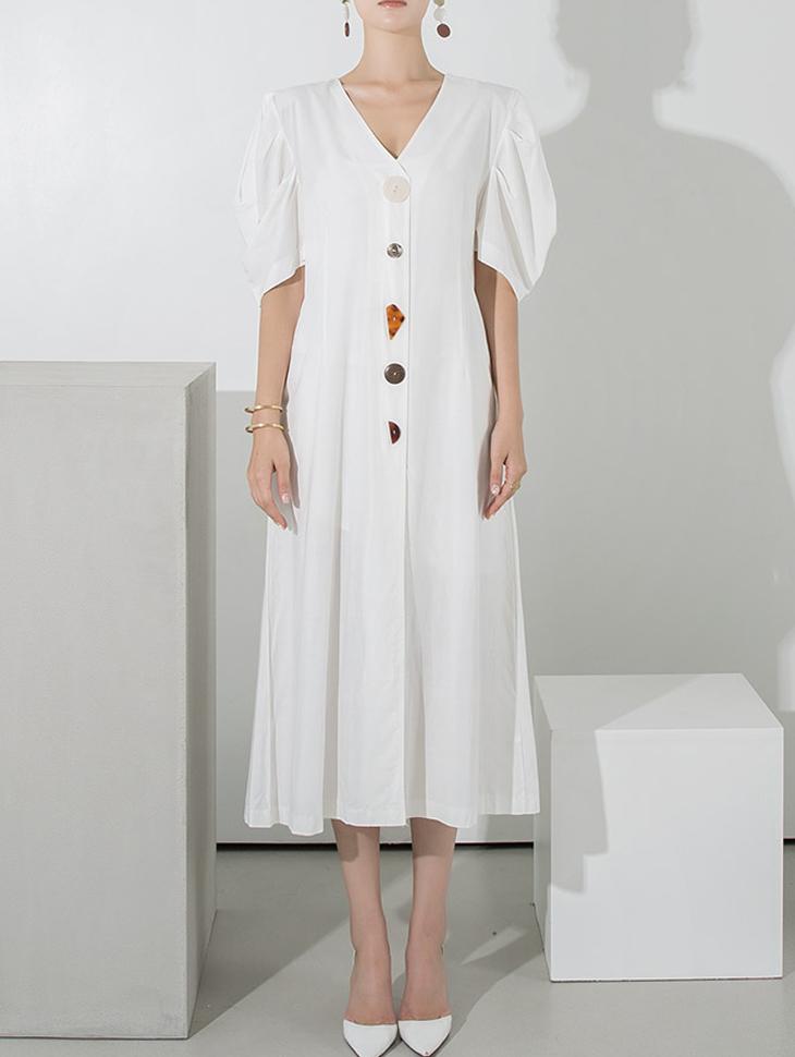 D3884 钮扣重点亚麻大泡泡袖连身裙