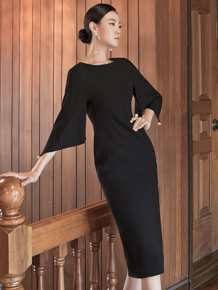 D3885 宽裕修身珍珠连身裙 (3rd REORDER)