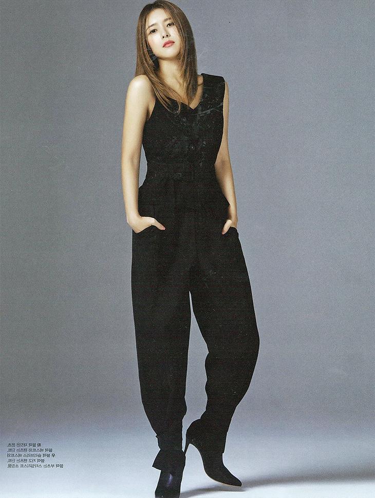 杂志<br><br>  <b>Female chosun</b> <br> Oh Jieun <br><br> E1980, P2039
