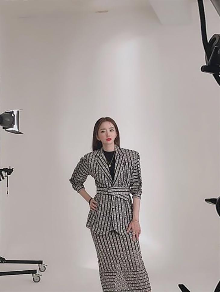 电力赞助商<br><br> <b>Instagram的</b> <br> Jo Soo-bin播音员<br><br> J9015,SK9042