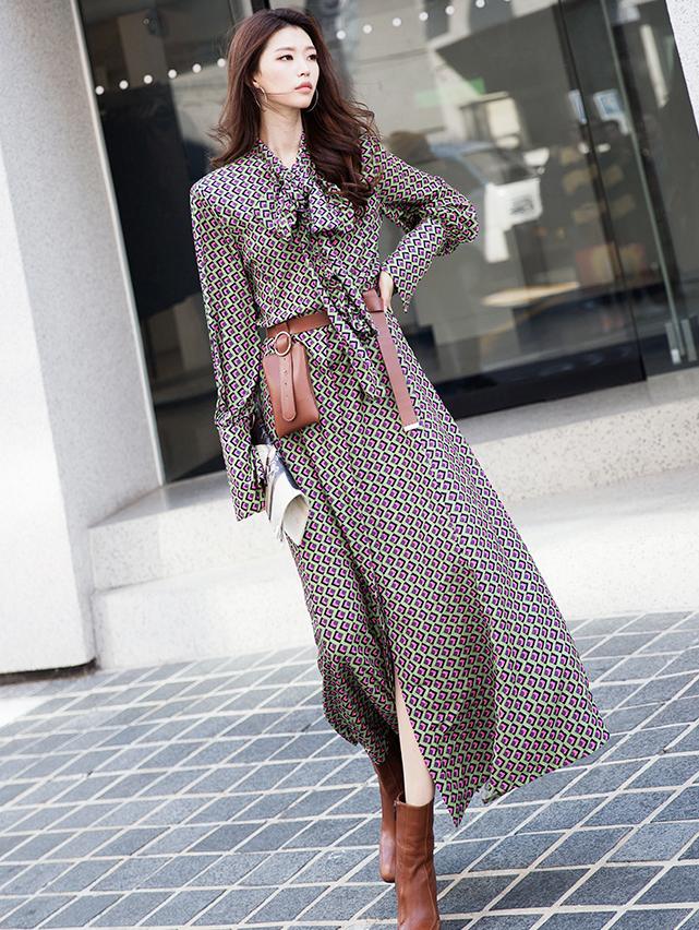 D9108 荷叶边领巾连身裙