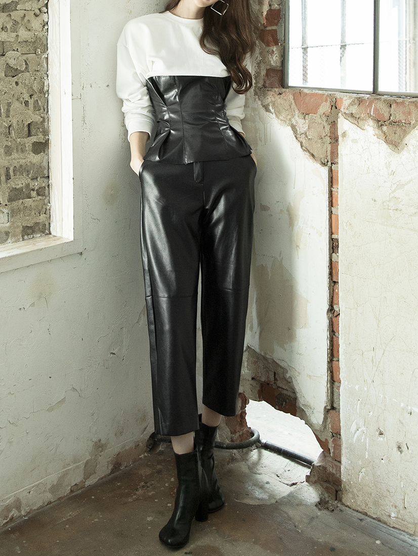 P2169 宽裕皮革裤
