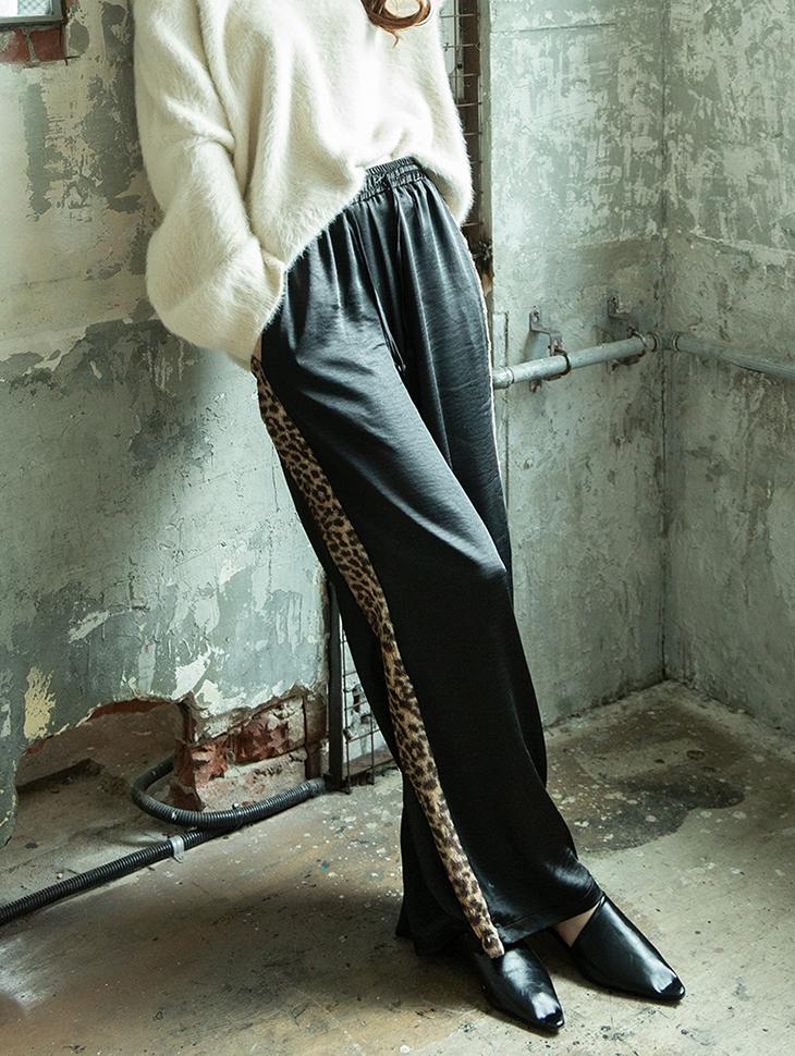 P2170 丝滑豹纹线条裤