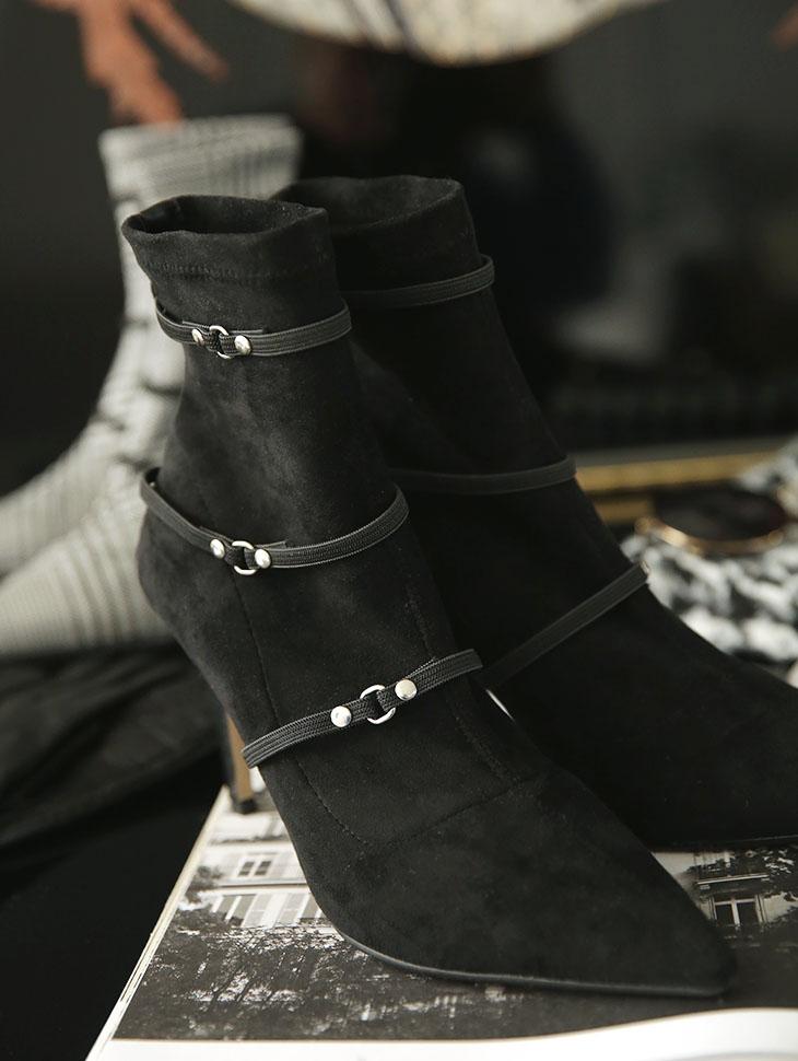 AR-2389 线条跟靴