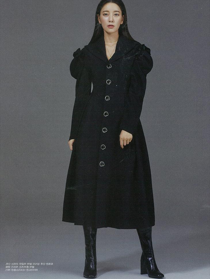 杂志杂志<br><br>  <b>Female chosun/b> <br>Choi Yunso  <br><br> MBD81O3D001