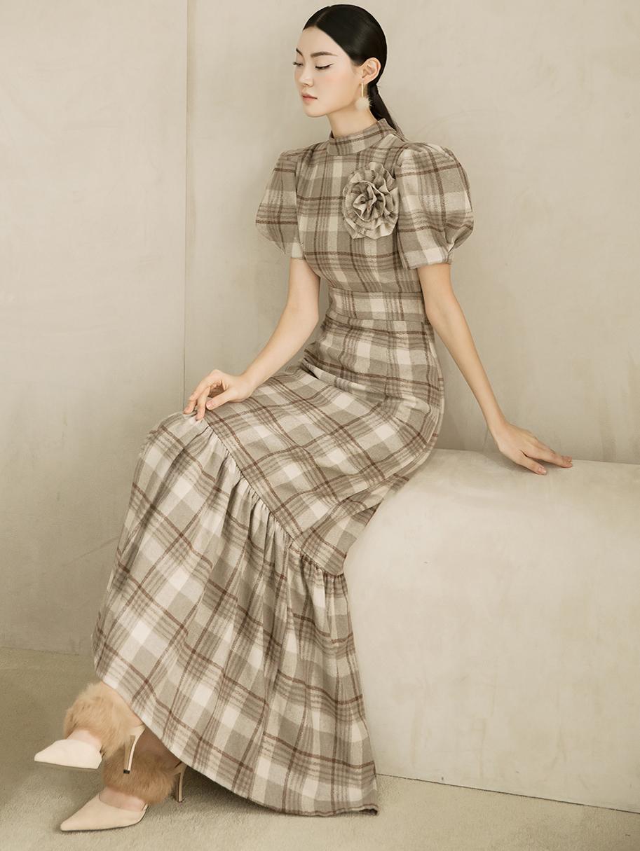 D9119 泡泡袖荷叶边连身裙 (胸针组合)