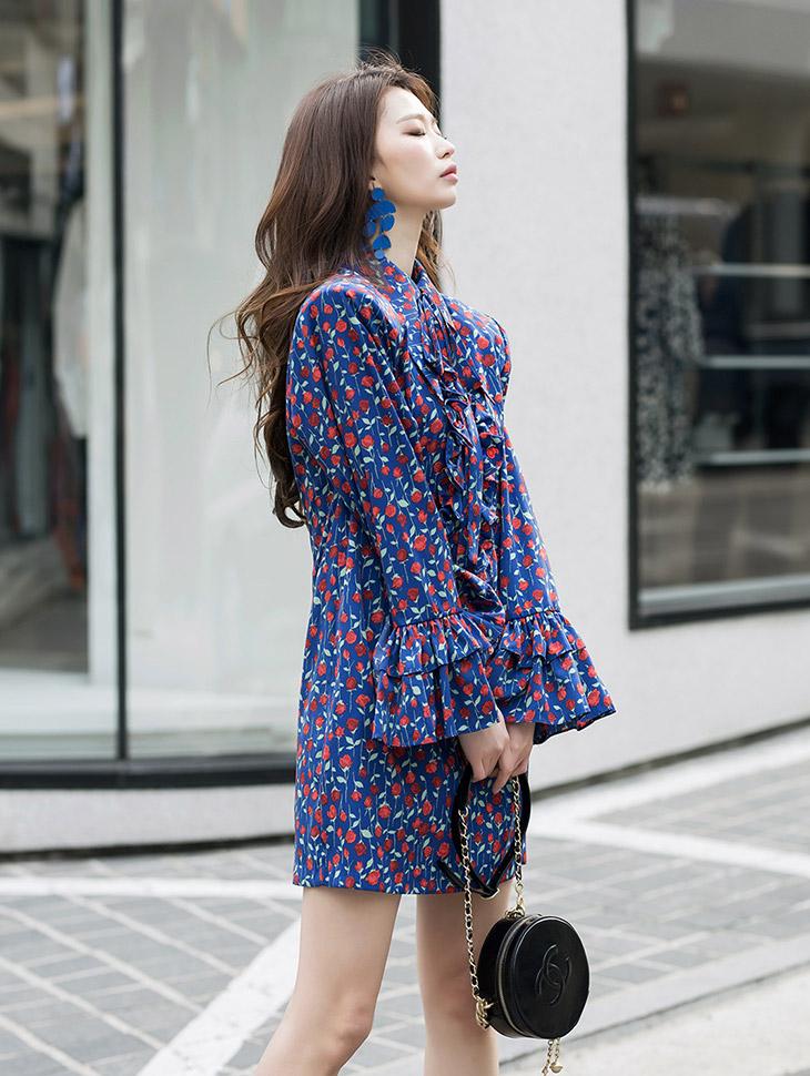 D9072 玫瑰图纹连身裙 (领巾组合)