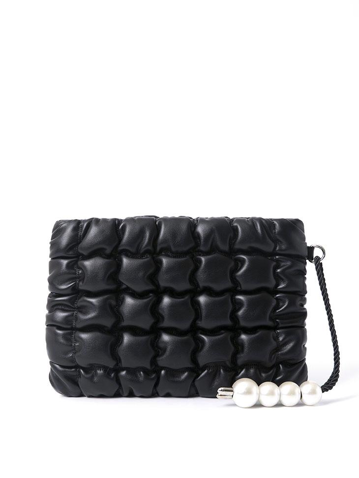 A-1088 枕头菱格纹珍珠手拿包
