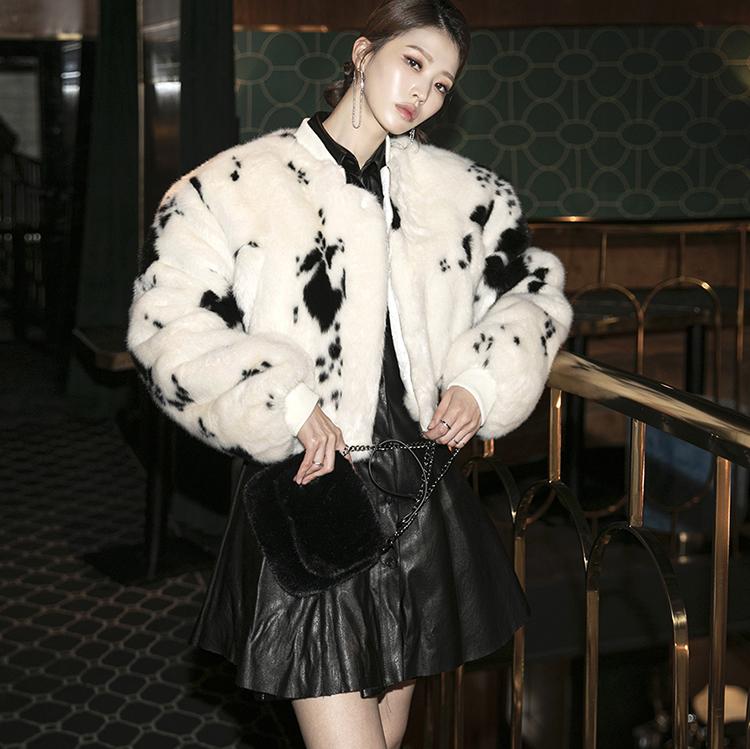 J1136 牛印刷毛皮露脐夹克
