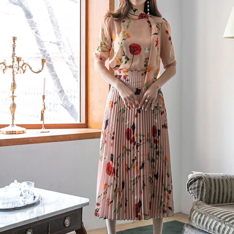 D4189 花纹丝绸领巾百页两件式套装